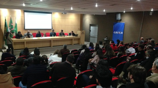 No Sinduscon os convidados participaram de palestras sobre o sistema construtivo.